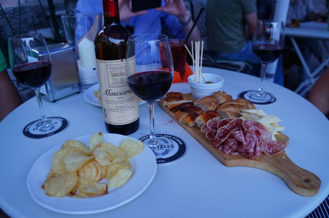 Vino and antipasto in Argegno